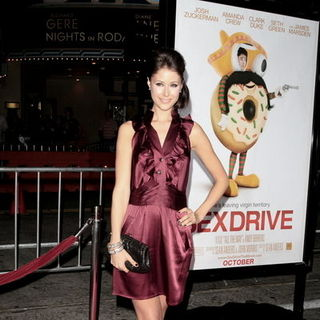 "Amanda Crew in ""Sex Drive"" Los Angeles Premiere - Arrivals"