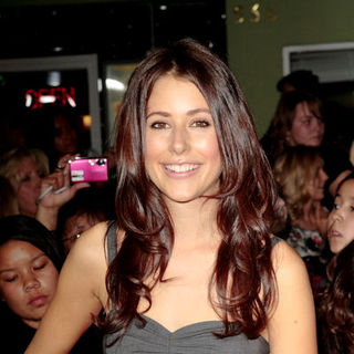 "Amanda Crew in ""Twilight"" Los Angeles Premiere - Arrivals"