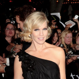 "Jennie Garth in ""Twilight"" Los Angeles Premiere - Arrivals"