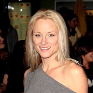 "Teri Polo in ""Twilight"" Los Angeles Premiere - Arrivals"