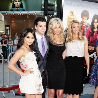 "Vanessa Hudgens, Gaelan Connell, Alyson Michalka, Lisa Kudrow in ""Bandslam"" Los Angeles Premiere - Arrivals"