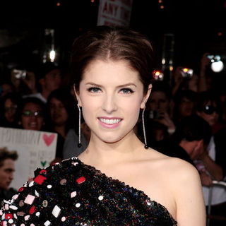 "Anna Kendrick in ""The Twilight Saga's New Moon"" Los Angeles Premiere- Arrivals"