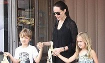 Jolie and Kids Move Into Rental House Amid Brad Pitt Divorce