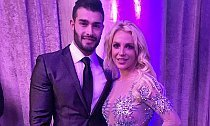 Britney Spears Reportedly Expecting a Child With Sam Asghari