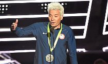 Jimmy Fallon Impersonates Ryan Lochte at MTV VMAs