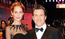 Josh Brolin Marries Longtime Girlfriend Kathryn Boyd. See the Wedding Pics!
