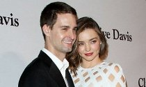 Miranda Kerr Marries Snapchat CEO Evan Spiegel in Backyard Ceremony
