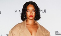 Rihanna Caught Making Out With Mystery Man in Spain
