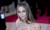 Beyonce Writes a Song About Her Newborn Twins