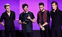 One Direction Wins Top Prize at 2015 AMAs