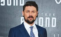 Karl Urban Shaves Head for 'Thor: Ragnarok' Role