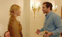 Jake Gyllenhaal Helps Amy Schumer Spoof 'Catfish'