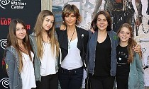 Lisa Rinna's Family to Replace the Kardashians on E!