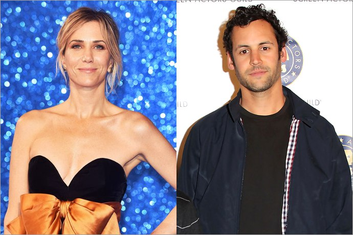Bikini-Clad Kristen Wiig Kisses New Boyfriend in Hawaii