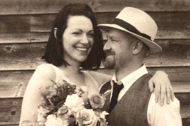Laura Prepon Marries Ben Foster, Shares Wedding Picture
