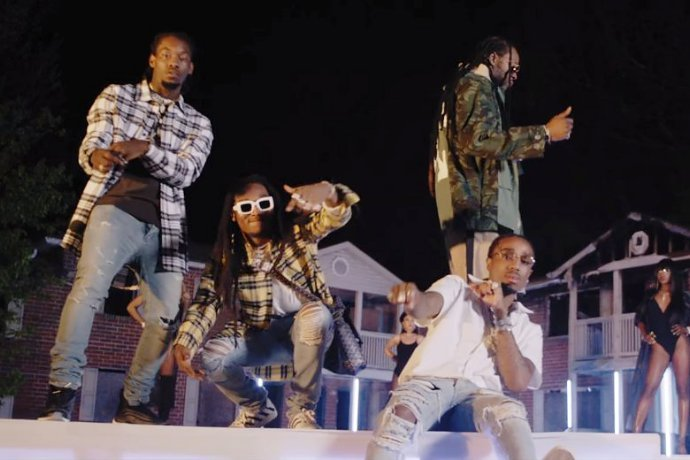 Watch 2 Chainz and Migos Get Swag on Outdoor Fashion Show in 'Blue Cheese' Video