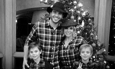 Britney Spears Takes Family Christmas Photo With Boyfriend Charlie Ebersol