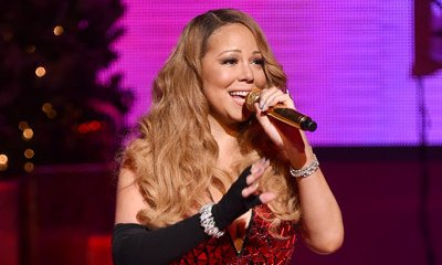 Mariah Carey Loses a Shoe, Cries Onstage at Christmas Show in N.Y.