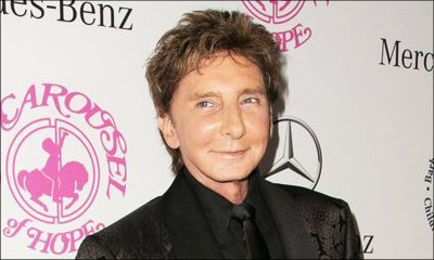 Barry Manilow Donates Piano to NY School District