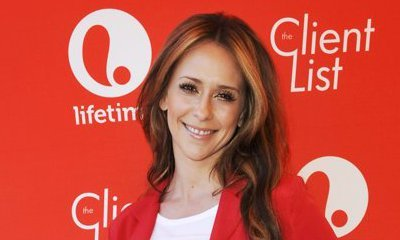 Jennifer Love Hewitt Spotted With Huge Baby Bump During Outing