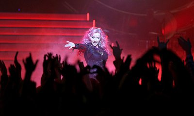 Christina Aguilera Takes Center Stage in New 'Nashville' Pictures