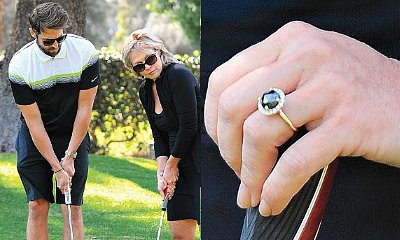 First Image of Jennie Garth's Engagement Ring Surfaces