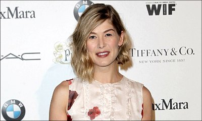 Rosamund Pike to Star in Adaptation of Best-Selling Autism Memoir 'The Spark'