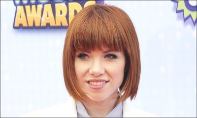 Carly Rae Jepsen Unveils 'E.Mo.Tion' Tracklist, Releases Title Track