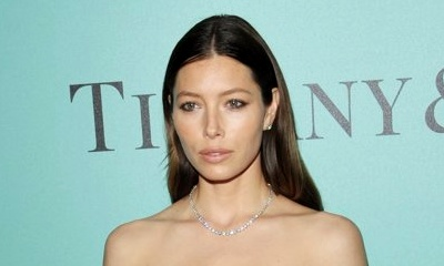 Jessica Biel Shows Post-Baby Body, Steps Out for the First Time Since Giving Birth