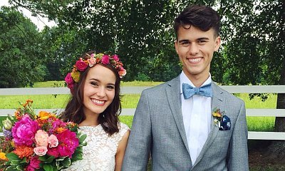 'Duck Dynasty' Star John Luke Robertson's Wife Posts New Wedding Photo