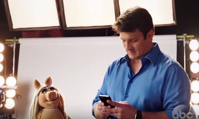 Miss Piggy Has Her Eyes on Nathan Fillion's Butt in 'The Muppets' New Promo