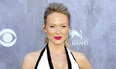 Singer Jewel Recalls Sexual Harassment at Age 8