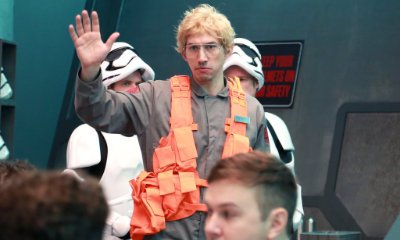 Adam Driver Goes 'Undercover Boss' to Spoof 'Star Wars' on 'SNL'