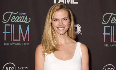 Brooklyn Decker Back on Plane and Pumping Breastmilk After Meltdown
