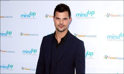 Taylor Lautner Laughs So Hard at His Naked 'Twilight' Fan Art
