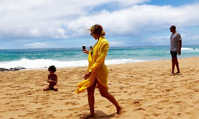 Beyonce Gives a Hint of 'Lemonade' During Hawaiian Getaway With Jay-Z and Blue Ivy