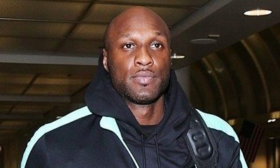 Lamar Odom Kicked Off Plane After Getting Wasted and Vomiting