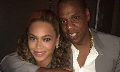 Back Off! Jay-Z Pushes Away Male Fan for Getting Too Close to Beyonce Knowles