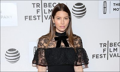 Yes, Jessica Biel Eats in the Shower and She Wants You to Try It Too