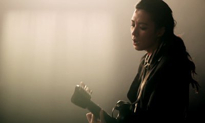 Michelle Branch Confesses She's a 'Hopeless Romantic' in New Music Video