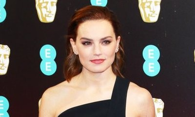 Get First Look at Daisy Ridley as Hamlet's Forbidden Lover in 'Ophelia'
