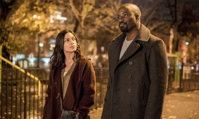 Mike Colter and Rosario Dawson Film Steamy Kiss Scene for 'Luke Cage' Season 2 in NYC