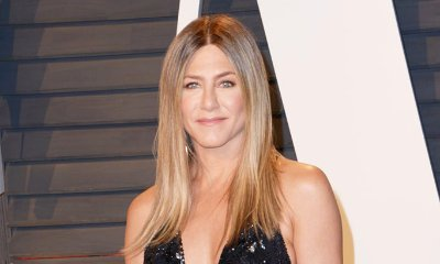 Jennifer Aniston Goes Braless in Skintight Tank Top