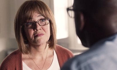 'This Is Us': Rebecca and Randall Talk Adoption in Emotional Season 2 First Look