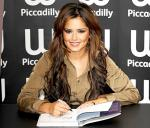 Cheryl Cole Bought Queuing Fans Hot Chocolate
