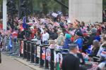 Pre-Royal Wedding Coverage: Crowd Goes Larger Hours Into Ceremony