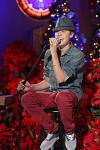 Video: Justin Bieber Sings for Foster Kids at Martina McBride