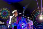 Video: Chris Martin Flubs Lyrics at Coldplay