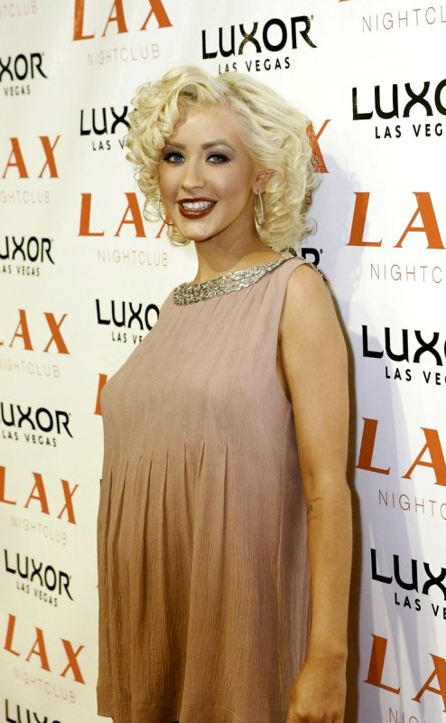 Paris Hilton Spilled Christina Aguilera's 'Secret' Pregnancy