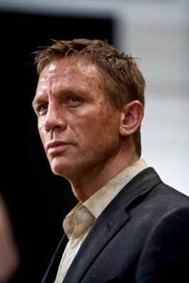 'Quantum of Solace' Widget for Weekly Bond Update